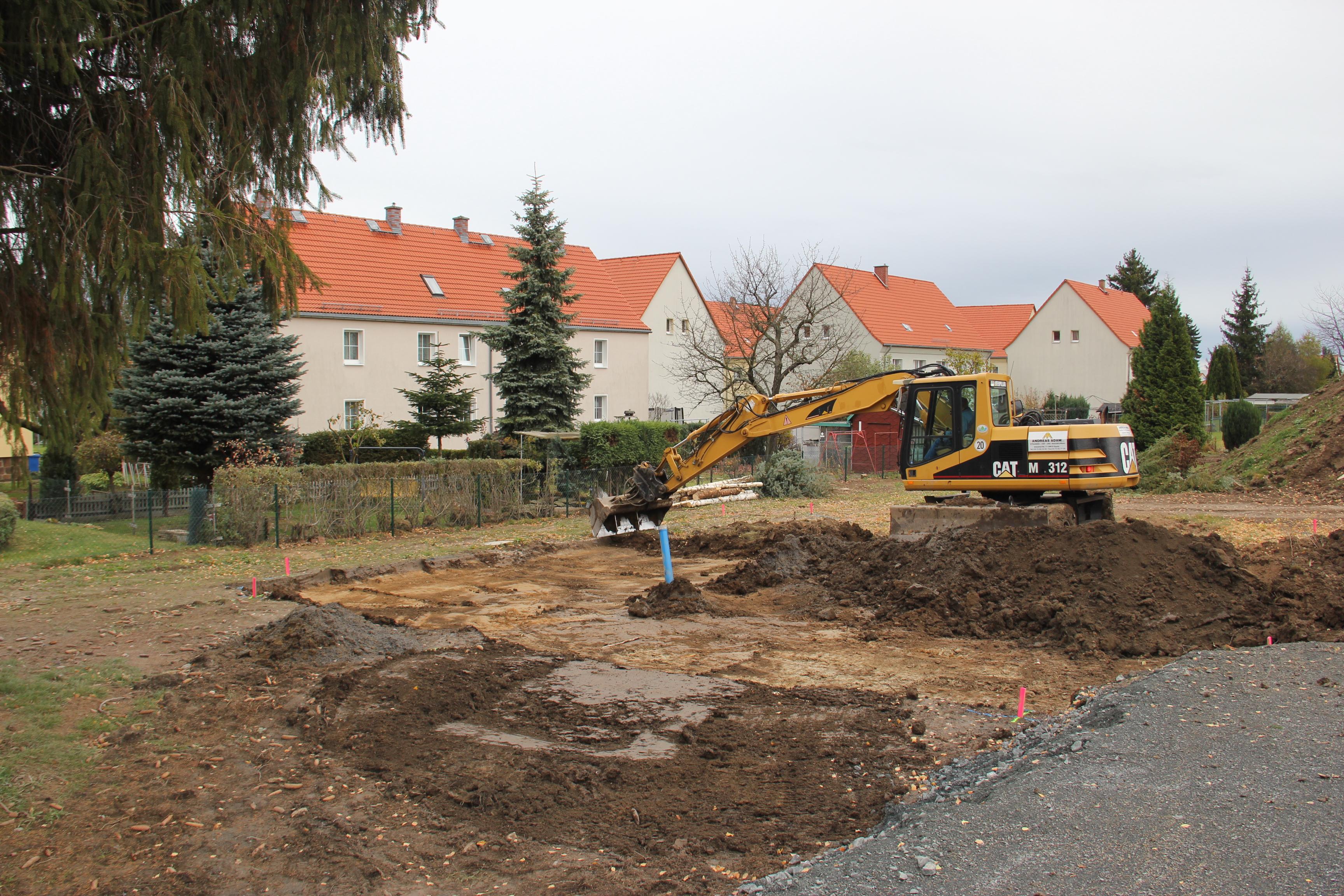 Baugrube wird ausgehoben
