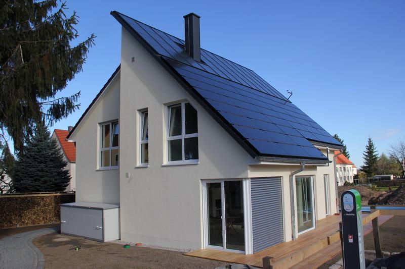 oktober 2013 ein energieautarkes haus entsteht. Black Bedroom Furniture Sets. Home Design Ideas